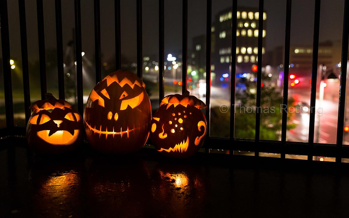 halloween-213052.jpg