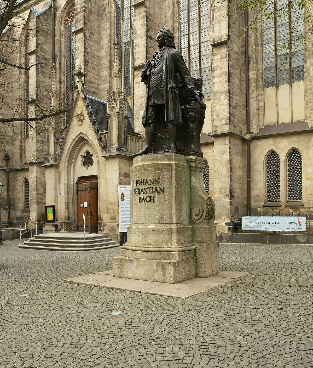 Johann_Sebastian_Bach_Denkmal_Leipzig-203147.jpg