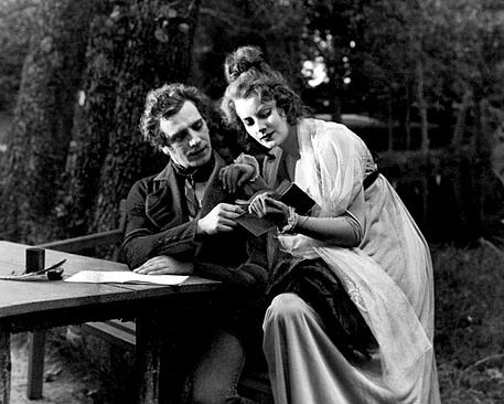 Greta_Garbo_in_Gosta_Berlings_Saga_1924-180902.jpg