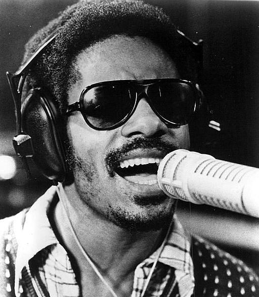 512px-Stevie_Wonder_1973-142354.jpg