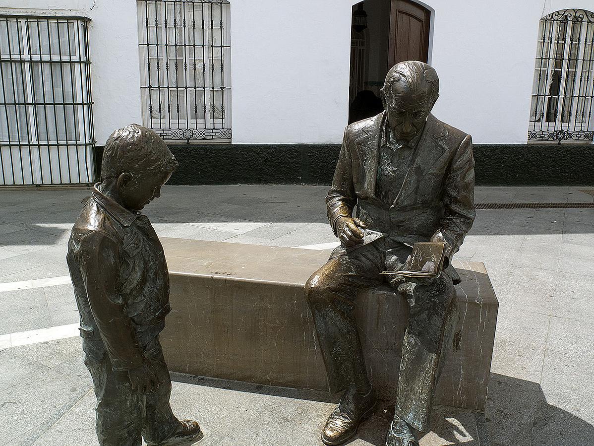 1280px-Estatua_de_Jose_Saramago-164406.jpg