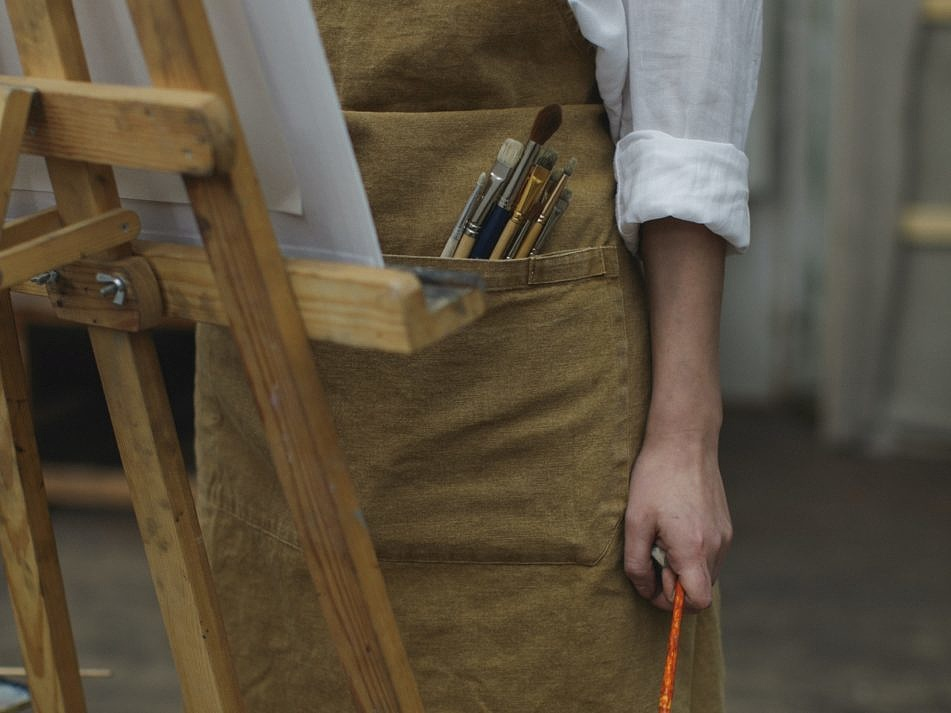 person-in-white-long-sleeve-shirt-holding-paint-brush-3778144-951x713-132035.jpg