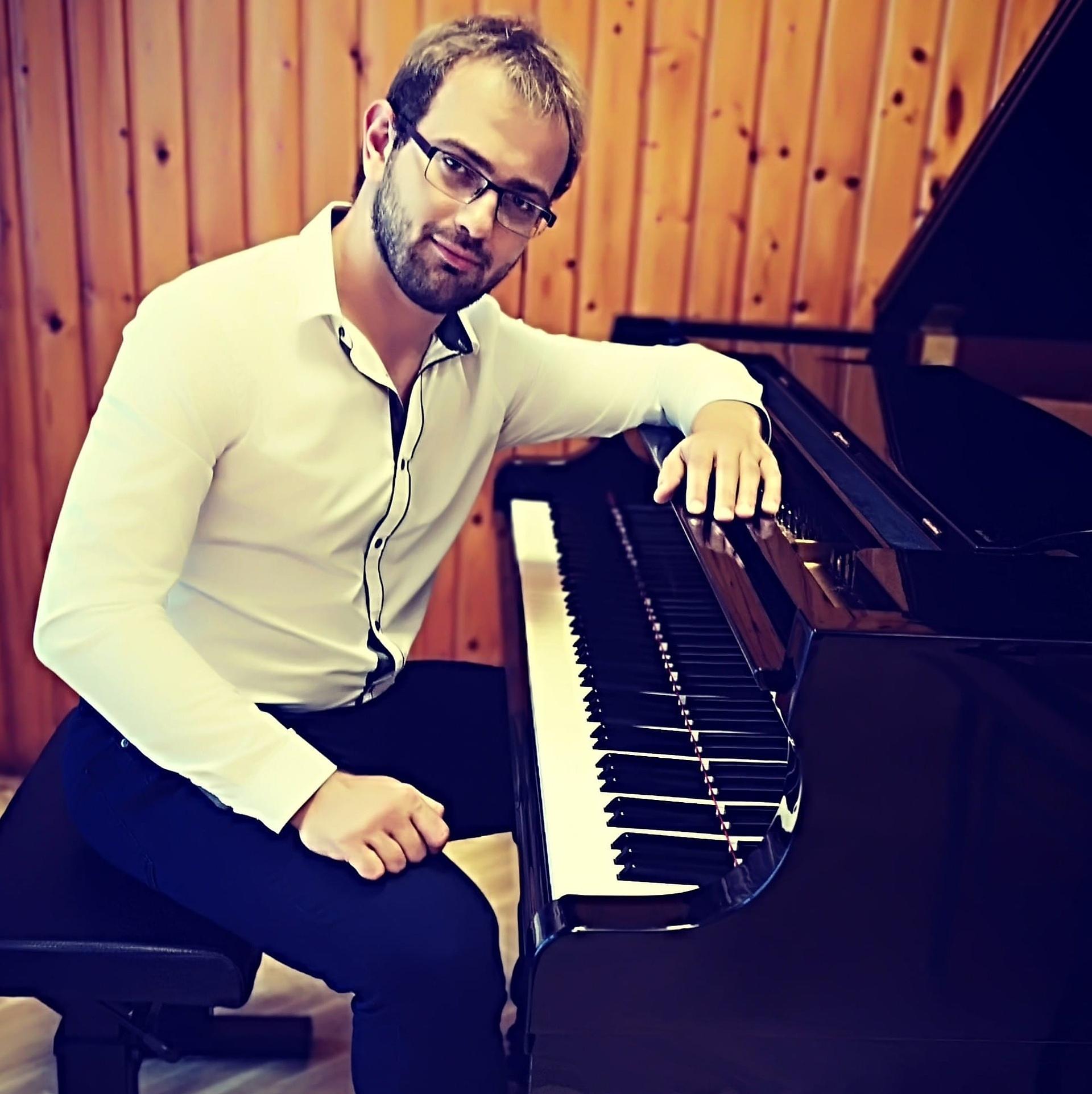 """Sas Dániel: """"Szeretek elfeledett zongoraműveket feléleszteni"""""""