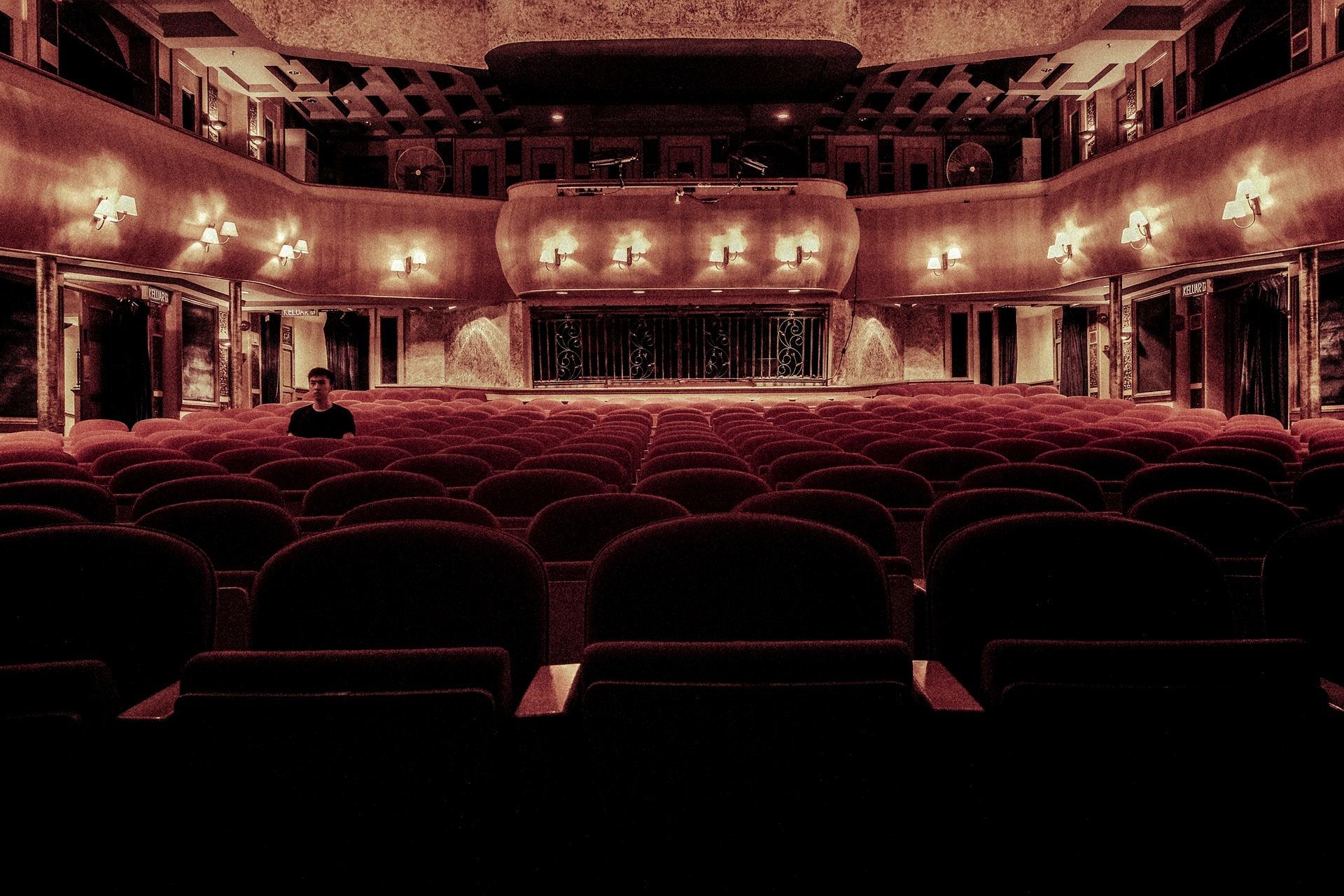 Felelősen és óvatosan előkészített újranyitást kér az igazgatóktól a Magyar Színházi Társaság