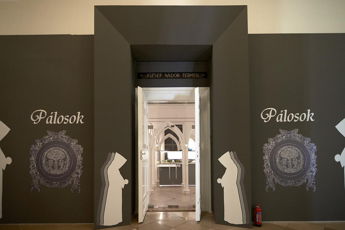 Palosok_kiallitas_megnyito_IJ1_1780_w-112358.jpg
